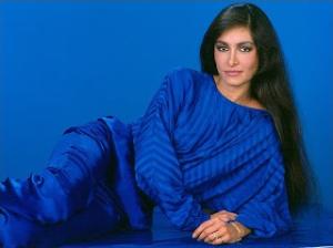 Daniela Romo sin marco